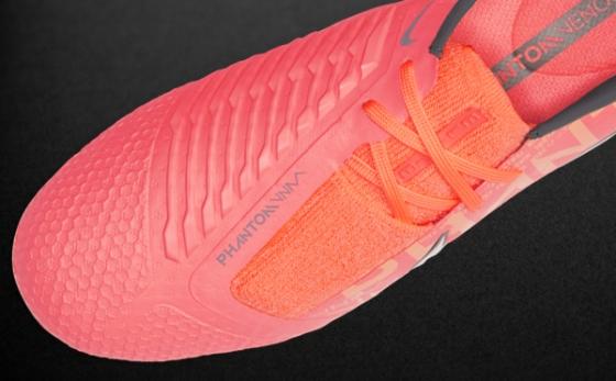 Chuteiras Nike Phantom Salmón