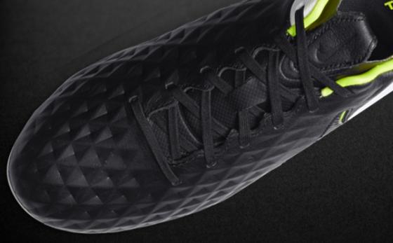 Chuteiras Nike Tiempo Negro / Blanco